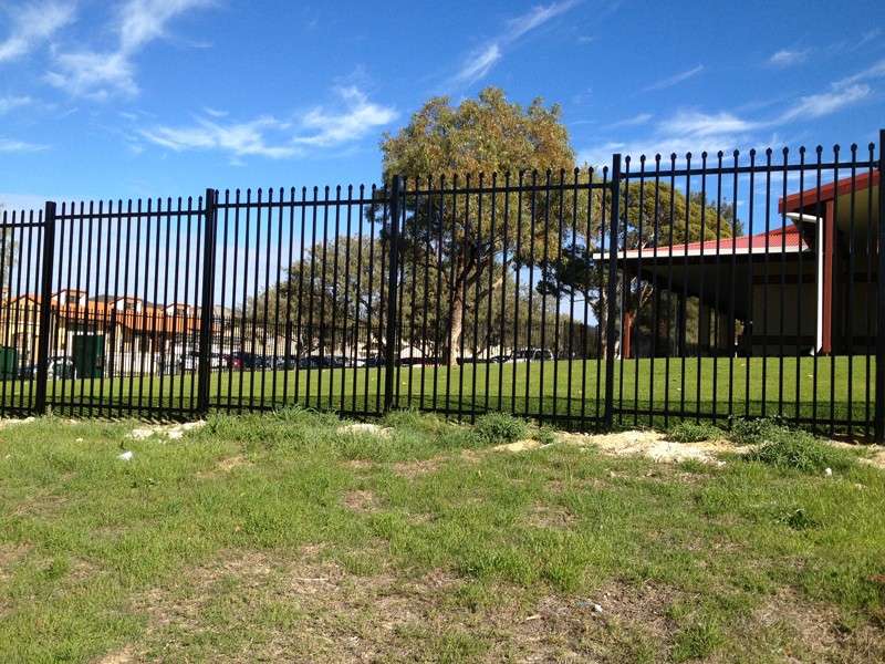 fencing contractors Fremantle